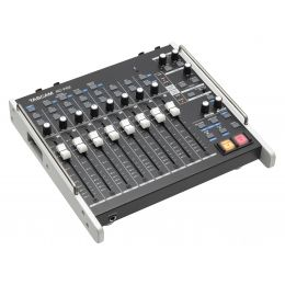 Tascam RC F82